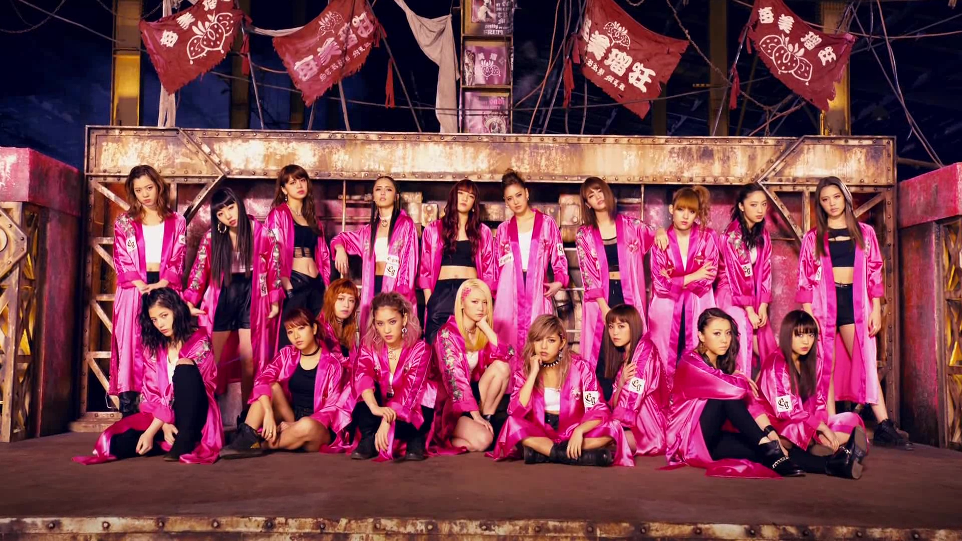 E-girls, no clipe STRAWBERRY Sadisctic, música gravada para o HiGH&LOW